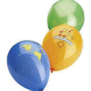 Luftballons sind beliebte günstige Give Aways.